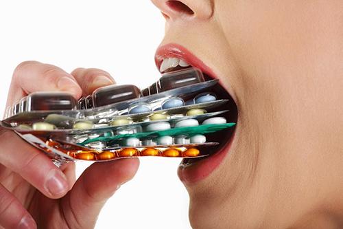 Dùng không đúng loại thuốc kháng sinh là một trong những nguyên nhân gây nhờn thuốc