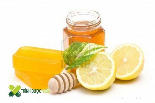 Chanh kết hợp với mật ong là bài thuốc tốt mà bạn nên lựa chọn vào mỗi buổi sáng