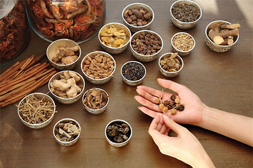 Phương pháp trị nám bằng thuốc Đông y được nhiều chị em áp dụng