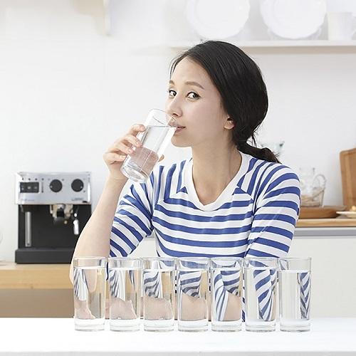 Uống ít nước, lười vận động