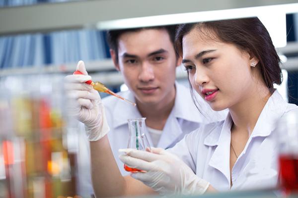 Liên thông Cao đẳng Dược để có tương lai rộng mở
