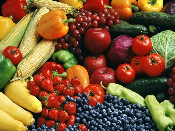 Nên ăn nhiều rau và trái cây