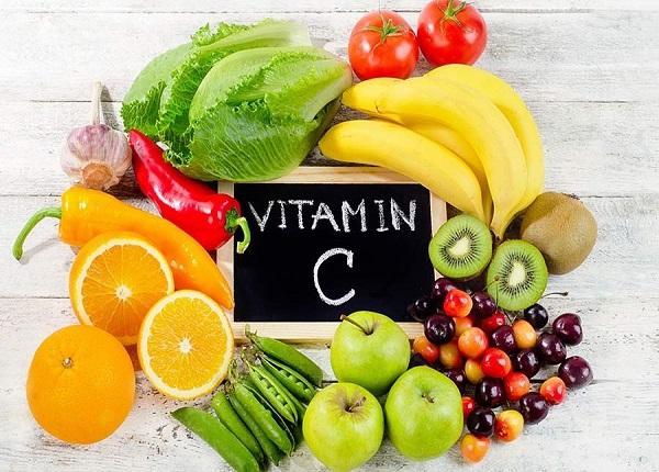 Không nên uống vitamin C quá muộn vào buổi tối