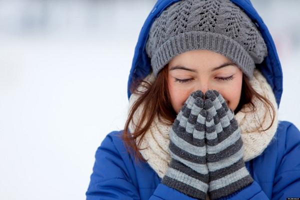Giữ ấm cơ thể khi ra đường để phòng bệnh