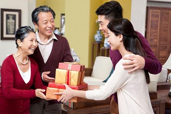 Gợi ý 7 món quà Tết tốt cho sức khỏe ý nghĩa dành tặng người thân bạn bè