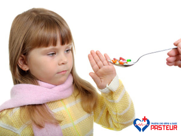 Dược sĩ cảnh báo các loại thuốc kháng sinh không được dùng cho trẻ em